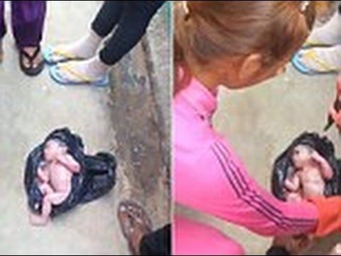 Σοκ: Γυναίκα βρήκε το μωράκι πεταμένο στο δρόμο…..μέσα σε μια μαύρη πλαστική σακούλα (Video)