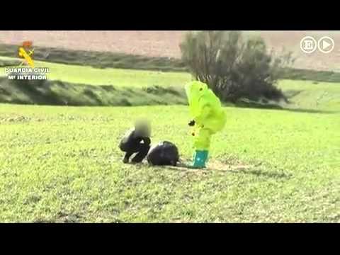 Σάλος στην Ισπανία με τη μυστηριώδη μαύρη σφαίρα που προσγειώθηκε σε χωράφι (video+photos)