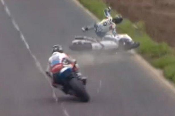 Guy-Martin-crashing-at-the-Dundrod-150-race