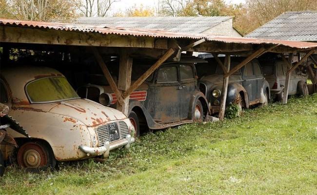 vintage-old-cars-allabout.gr_-650x400