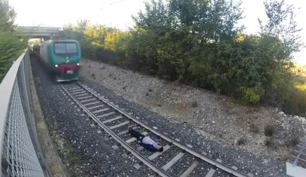 treno gineka stis rages