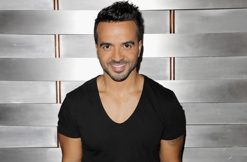 luis_fonsi_june_2017_billboard_1548