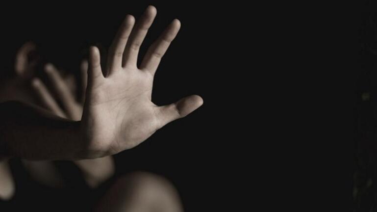 Αλλοδαπός στο Μεταξουργείο κρατούσε αιχμάλωτες 2 ανήλικες –Τους έδινε ναρκωτικά και τις βίαζε