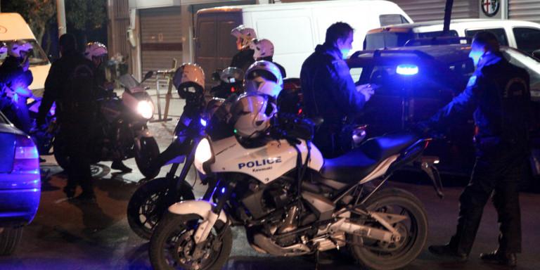 Οπλισμένος άνδρας αυτοκτόνησε μπροστά σε αστυνομικούς της Ομάδα ΔΙΑΣ