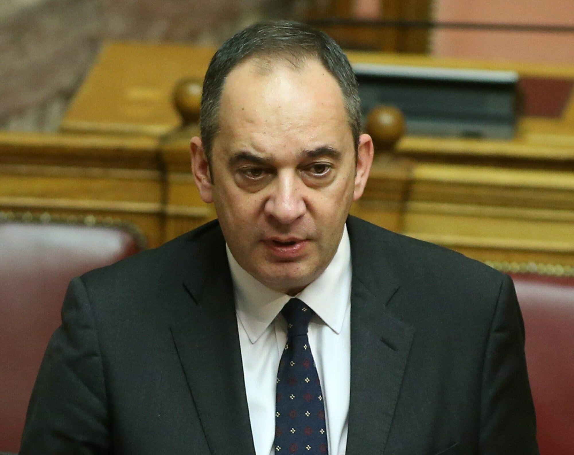 Στο νοσοκομείο Ευαγγελισμός νοσηλεύεται ο υπουργός Ναυτιλίας και Νησιώτικης πολιτικής, Γιάννης Πλακιωτάκης, ο οποίος έχει βρεθεί θετικός στον κορονοϊό.