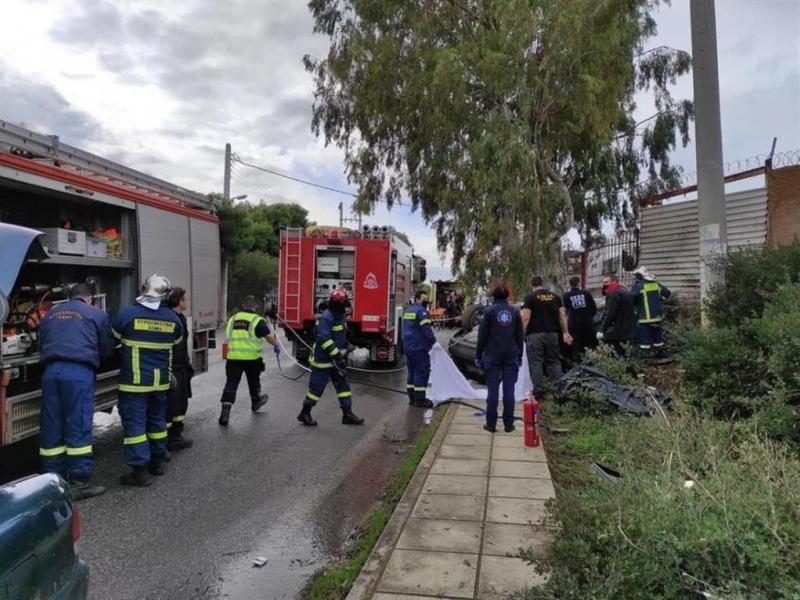 Τραγωδία στην άσφαλτο: Αυτοκίνητο καρφώθηκε σε κολώνα νεκρός ο οδηγός