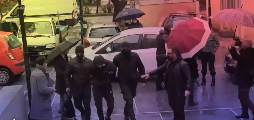 Επίθεση στο μετρό: Νέο βίντεο με τους δράστες μετά την επίθεση – Τι υποστήριξαν στην απολογία τους