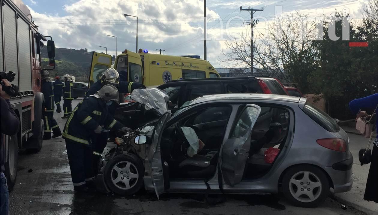 5 άτομα στο νοσοκομείο από το τροχαίο ατύχημα με τους εγκλωβισμένους στην Κρήτη