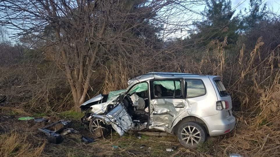 Λεωφορείο της ΕΛ.ΑΣ συγκρούστηκε πλαγιομετωπικά με το Ι.Χ νεκρός ο οδηγός του αυτοκινήτου