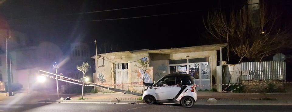Σοκαριστικό τροχαίο στην Κρήτη – Μπήκε στο αντίθετο ρεύμα και έπεσε σε κολώνα